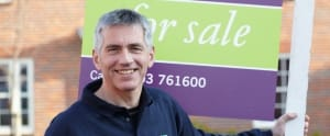 Estate agency board erectors - Find your local operator