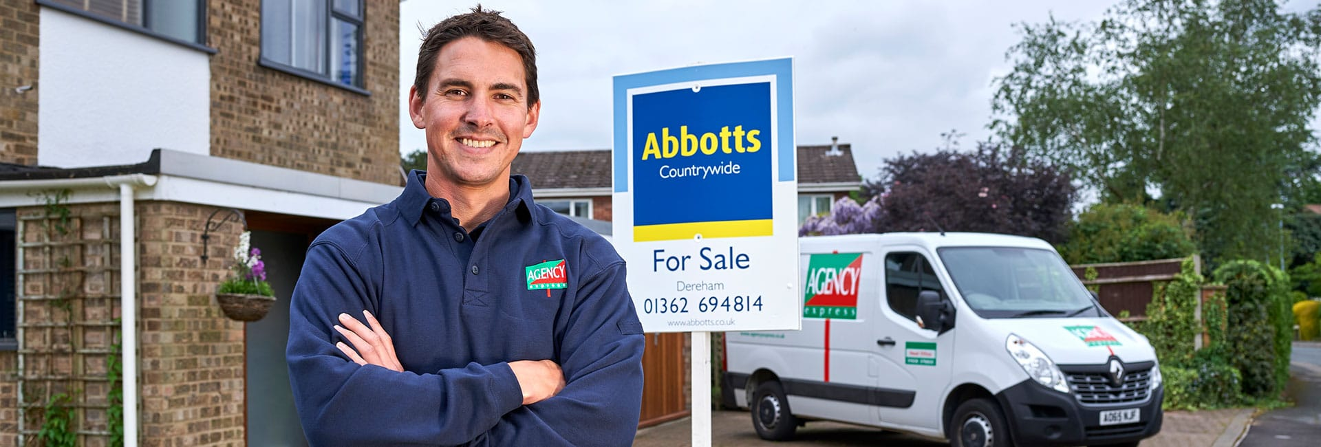 Agency Express operator and van outside a house with an estate agency board