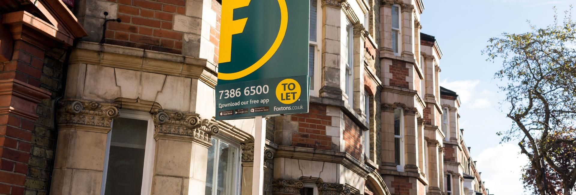 UK lettings market report - To let board