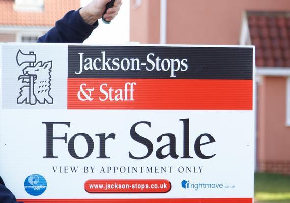 Supply slump for UK property market